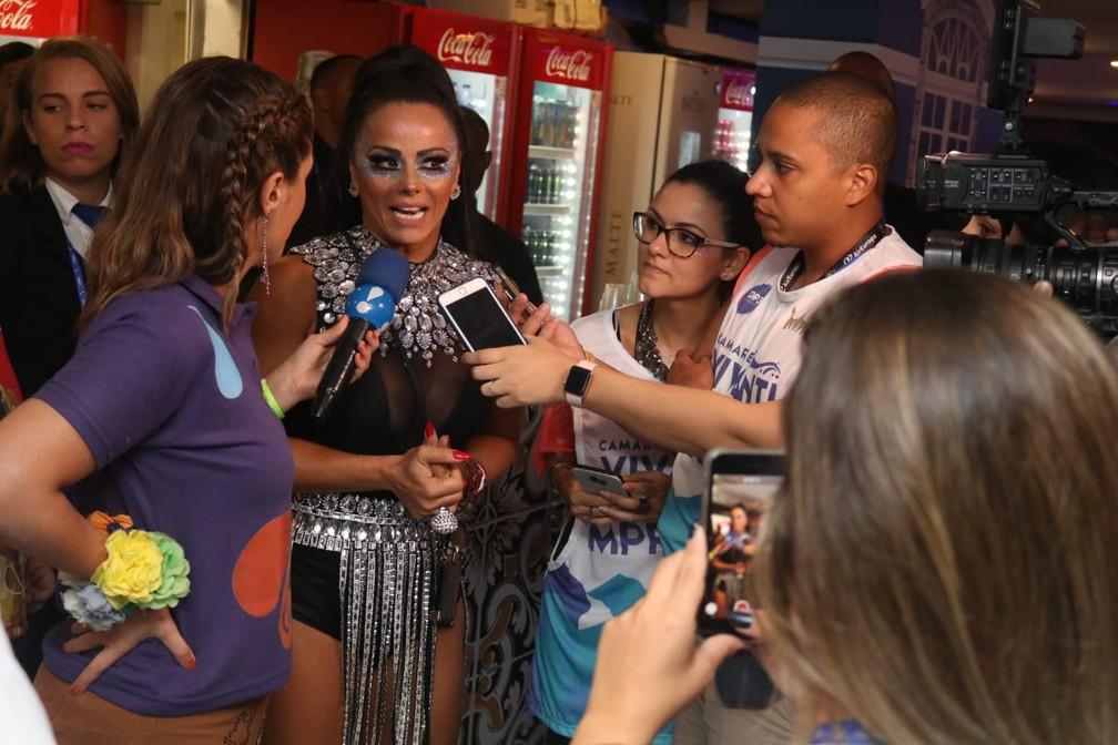 Viviane Araújo é questionada sobre declaração polêmica da rainha da Unidos da Tijuca — Foto: Juliana Maselli / G1