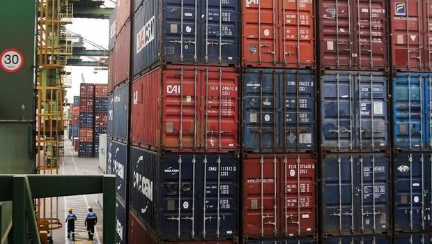 Contêineres no porto de Santos, no Estado de São Paulo - exportação - importação - balança comercial (Foto: Fernando Donasci/Reuters)