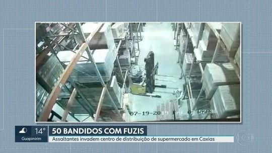Centro de distribuição do Carrefour no RJ é assaltado por cerca de 40 homens encapuzados e com fuzis
