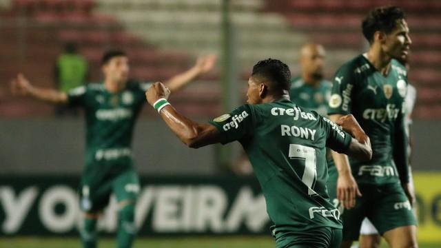 Rony comemora em América-MG x Palmeiras