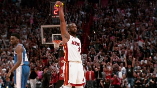 Na mesma noite, Wade e Nowitzki se despedem das torcidas de Heat e Mavericks