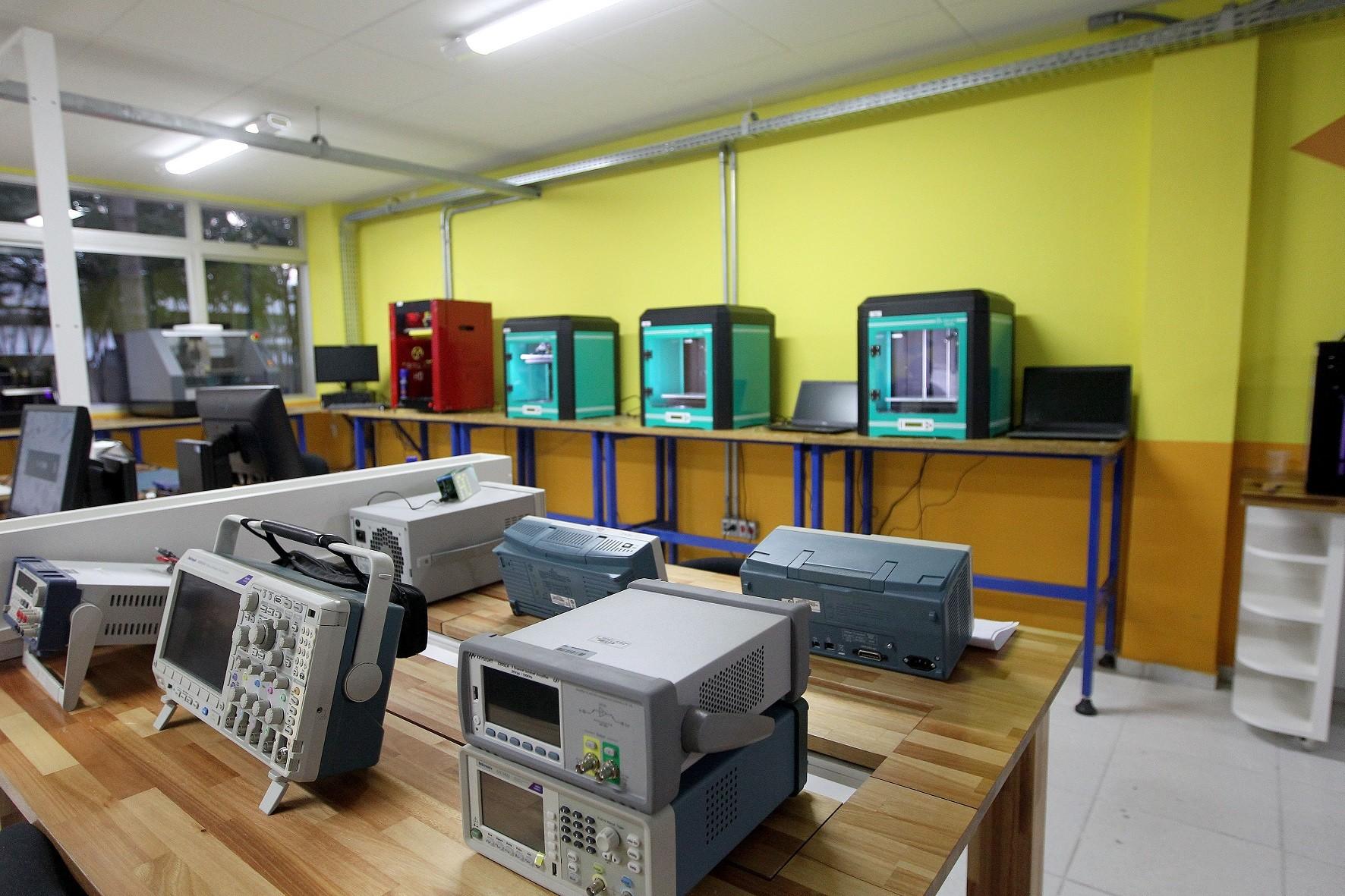 FabLab da Indústria: novas possibilidades para a inovação no setor - Notícias - Plantão Diário