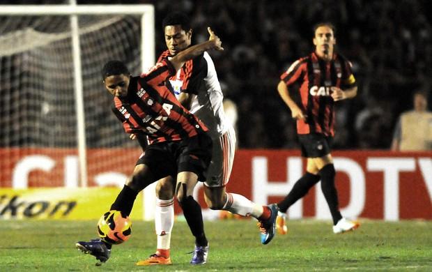 Hernane, Atlético-PR x Flamengo (Foto: André Durão)