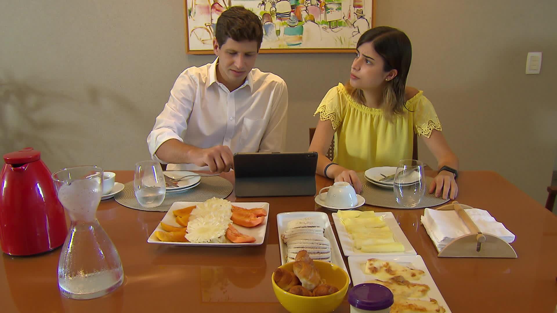 Prefeito do Recife, João Campos, e deputada Tabata Amaral anunciam que estão com Covid-19