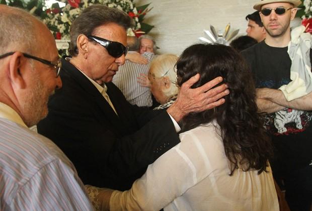 Agnaldo Rayol no velório de Angela MAria (Foto: Amauri Nehn/Brazil News)