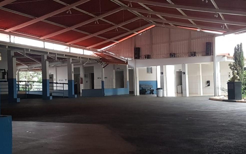 Casa Dom Inácio de Loyola ficou vazia após prisão de João de Deus — Foto: Juliana Lopes/TV Anhanguera