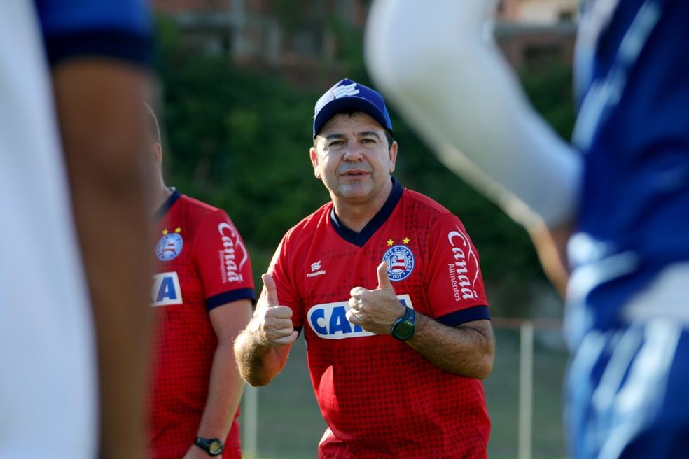 ... Enderson Moreira vai poupar principais jogadores em partida contra o  Vitória da Conquista — Foto  dbfa8721df016