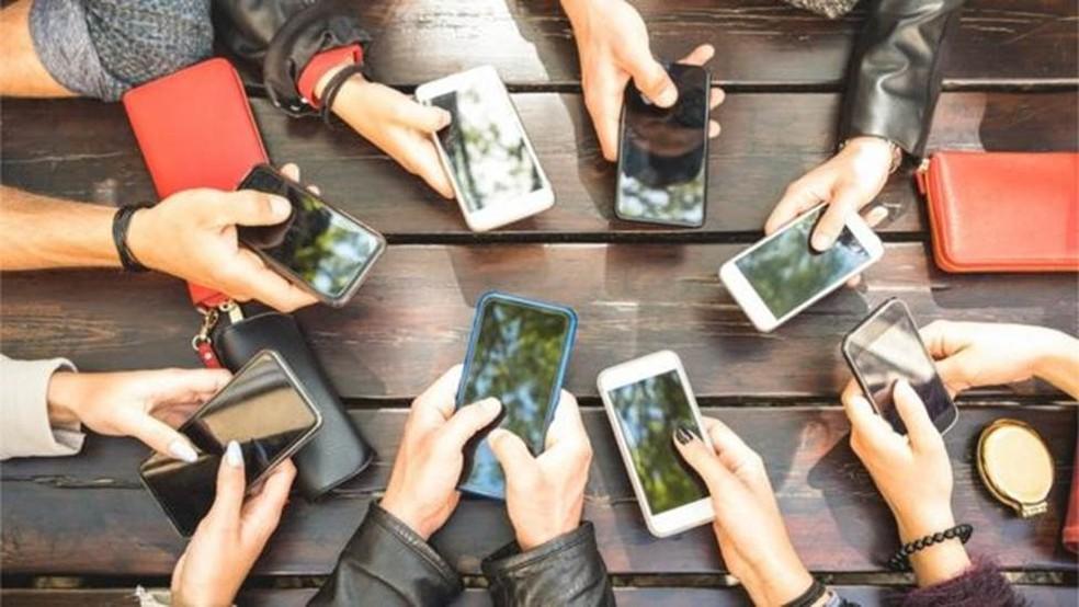 Compra por meio de QR code pode ser feita pelo celular e sem a necessidade de uso da maquininha pelo estabelecimento — Foto: Getty Images
