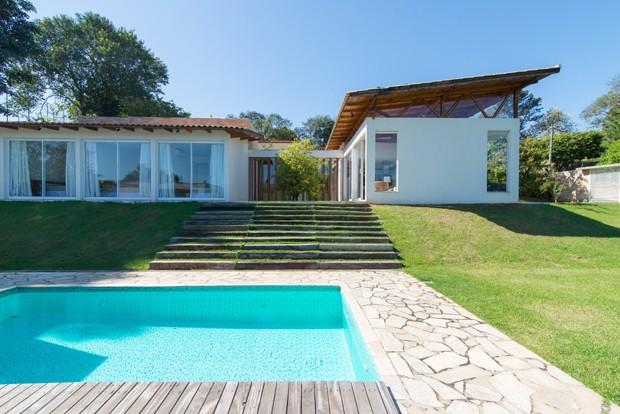 Casa de campo tem p direito alto e muita luz natural - Ambientador natural para casa ...