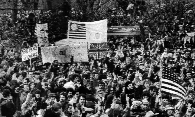 Manifestação no Central Park após a morte de John Lennon