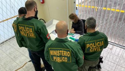 Advogados, agentes públicos e detentos são alvo de operação contra organização criminosa em Joinville