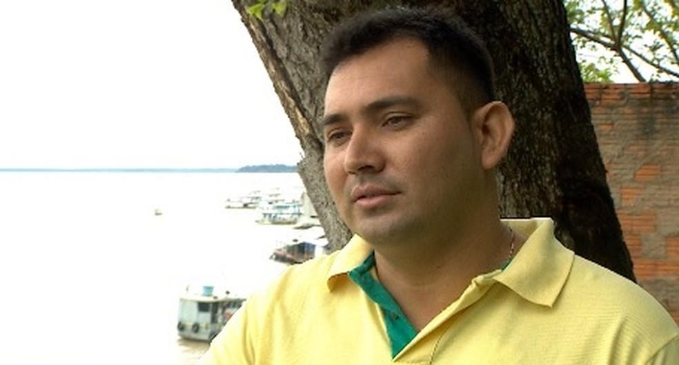 Rafael Dutra é o único remanescente do antigo grupo de profissionais do Mais Médicos que atua no Dsei de Parintins — Foto: Reprodução/Rede Amazônica