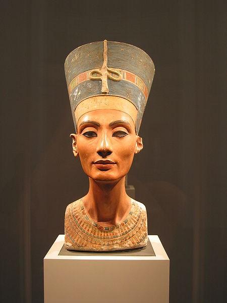Busto de Nefertiti em um museu de Berlim (Foto: Wikimedia Commons)