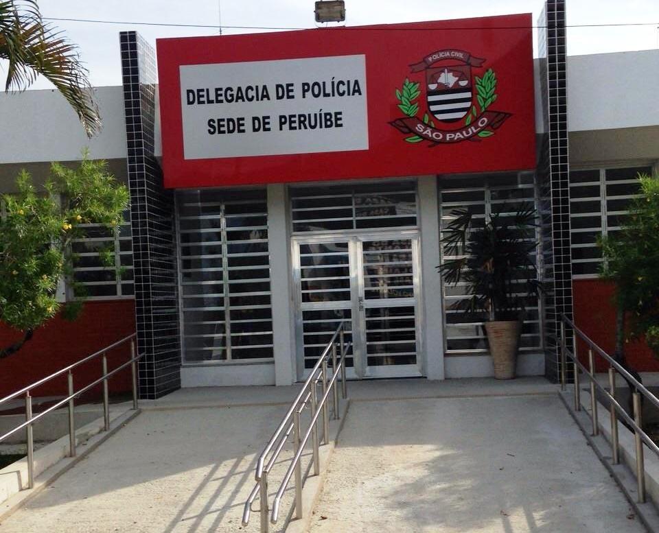 Dupla é presa por roubar malote com R$ 65 mil de comércio em Peruíbe, SP
