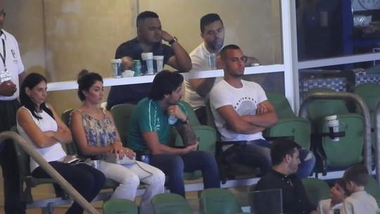 Vídeos: Ricardo Goulart assiste à vitória do Palmeiras de camarote e acompanha ritmo da torcida