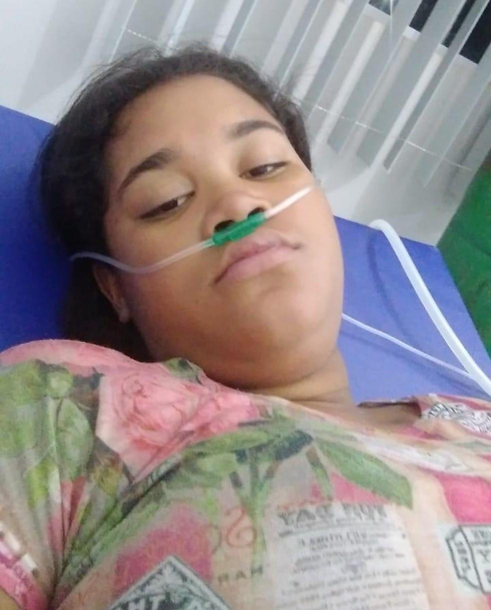 Mikaely Karoline estava internada em uma UPA à espera de um leito de UTI — Foto: Facebook/Reprodução