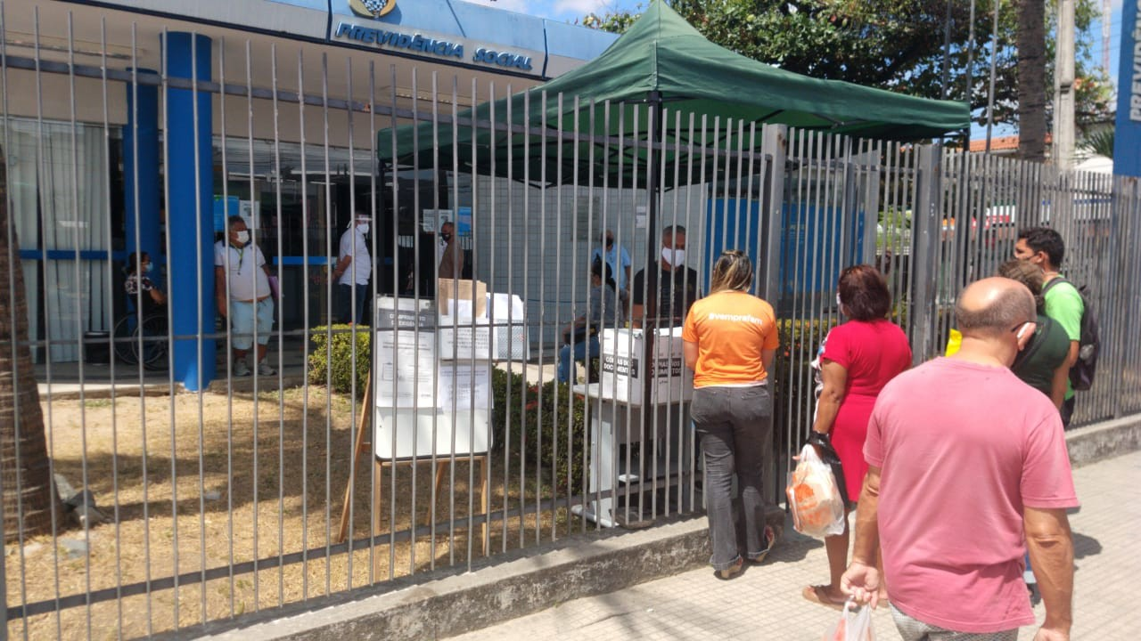 Agência do INSS do Bairro Messejana, em Fortaleza, funciona com perícia médica pelo segundo dia