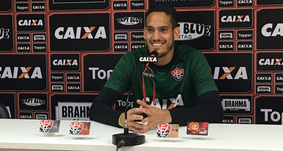 ... Goleiro espera Vitória com a mesma postura contra o América-MG — Foto   João 55660e9911051