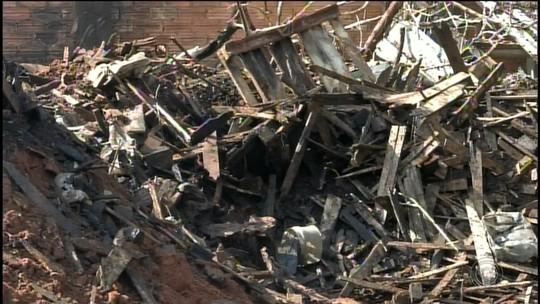 Empresa que teve depósito queimado em incêndio não tinha extintores e alvará, diz Corpo de Bombeiros