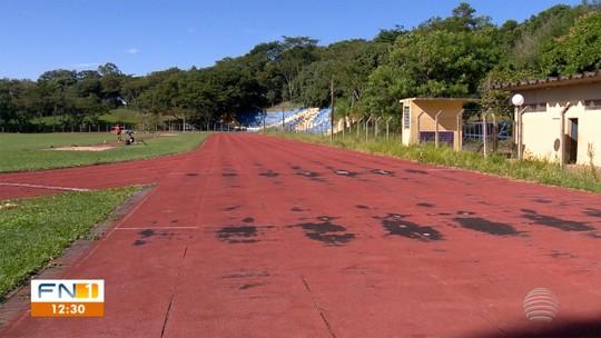 Celeiro olímpico, pista luta contra a ação do tempo, e más condições colocam atletismo em risco