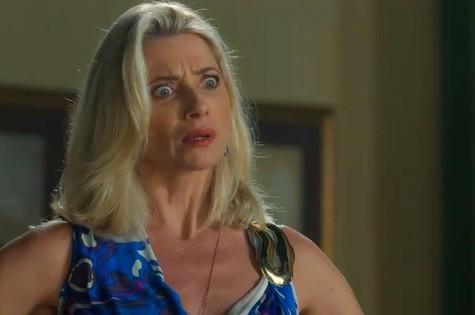 Desconfiada de que está sendo traída por Eurico (Dan Stulbach), Marilda saíra de casa e irá morar com Valentina (Lília Cabral) (Foto: TV Globo)