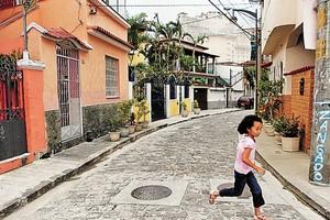 Ladeira João Homem, no Morro da Conceição, a rua mais bonita do Rio de Janeiro