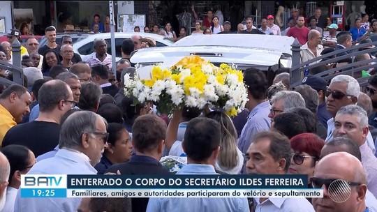 Sociólogo Ildes Ferreira é enterrado sob forte comoção em Feira de Santana