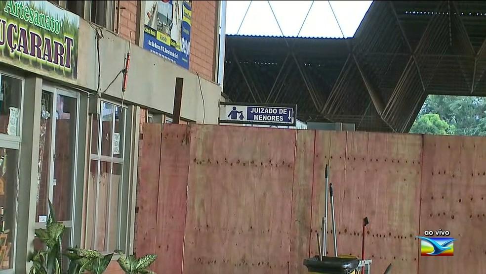 Juizado de Menores com estrutura comprometida na Rodoviária de São Luís — Foto: Reprodução / TV Mirante