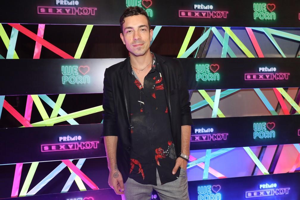 O cantor Di Ferrero chega ao Prêmio Sexy Hot 2018 — Foto: Celso Tavares/G1