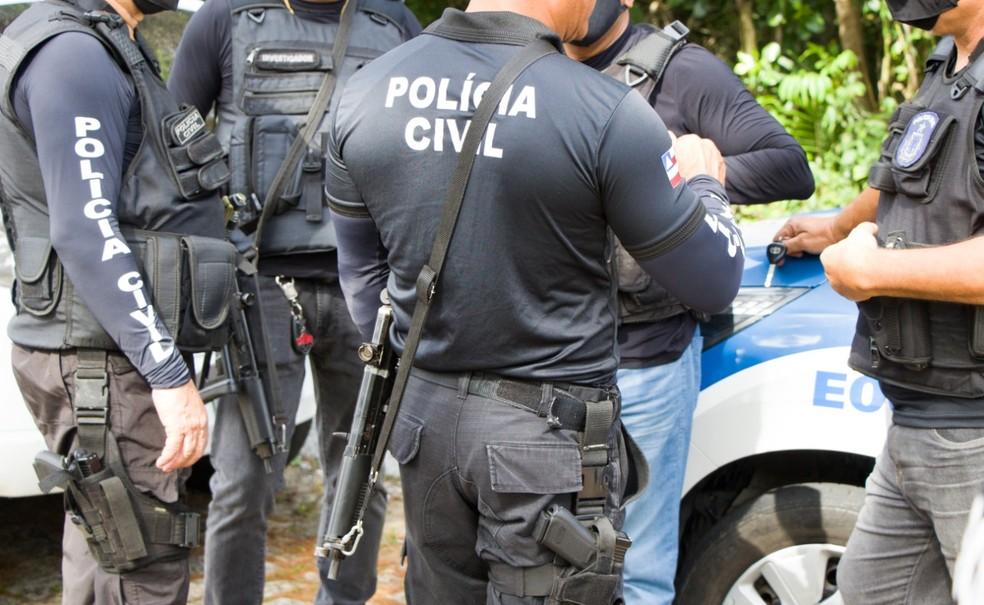 Homens são encontrados amarrados e com marcas de disparos de arma de fogo na região metropolitana de Salvador — Foto: Divulgação/Polícia Civil