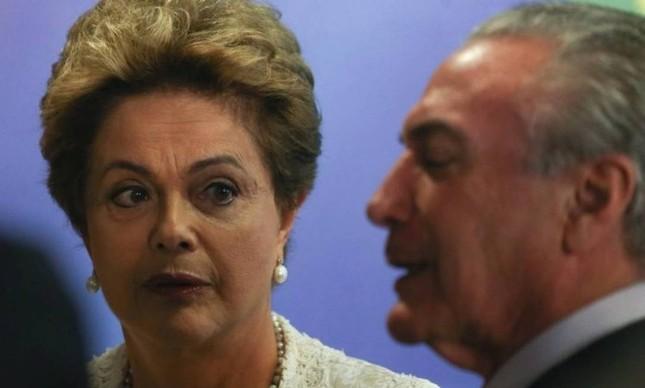A ex-presidente Dilma Rousseff e o presidente Michel Temer (Foto: Arquivo O GLOBO)