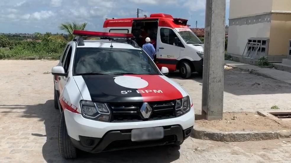 Homem é encontrado com sinais de espancamento, em João Pessoa — Foto: Walter Paparazzo/G1