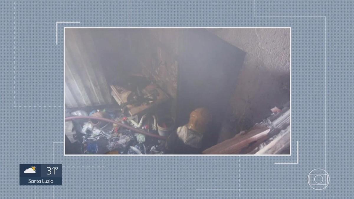 Incêndio destrói parte de barracão no bairro Eldorado, em Contagem - G1
