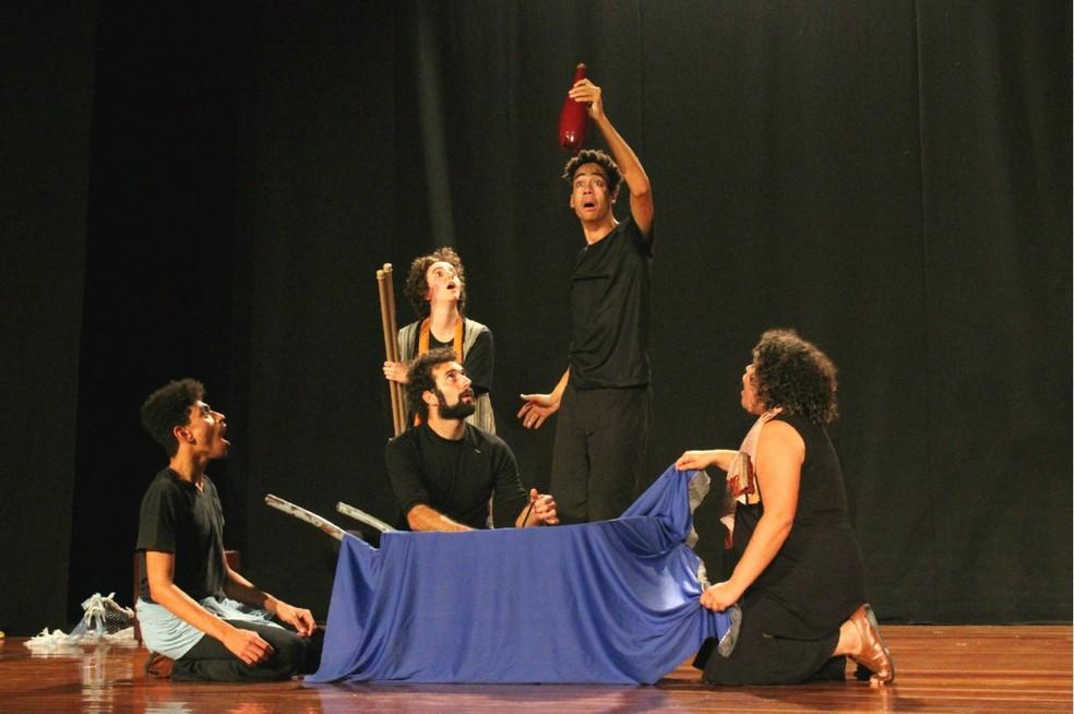 """Cia Espelunca de Teatro apresenta """"Auto da Paixão e Alegria"""" — Foto: Divulgação/ Jhenyfer Reis"""