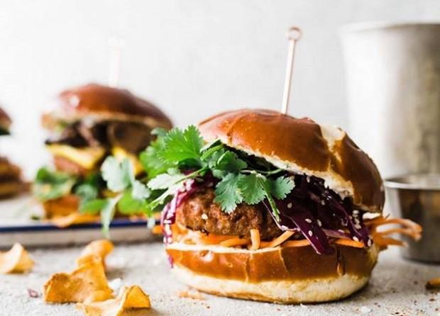 Hambúrguer à base de vegetais da Beyond Meat (Foto: Reprodução/Facebook)