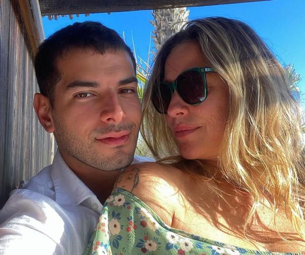 Luana Piovani com o namorado, Lucas Bitencourt (Foto: Reprodução/Instagram)