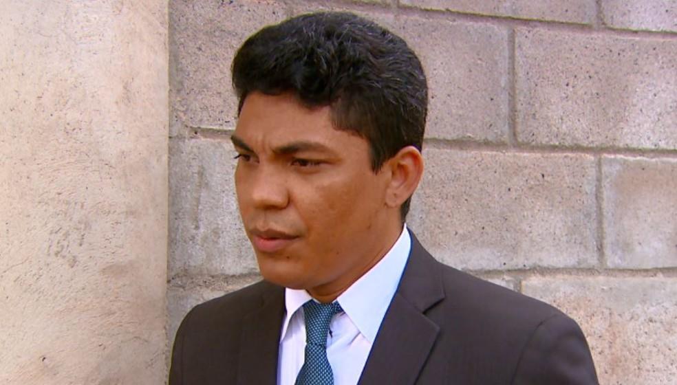 O advogado da família, Kleber Campus, fala sobre o caso em Santa Cruz das Palmeiras (Foto: Reprodução/ EPTV)