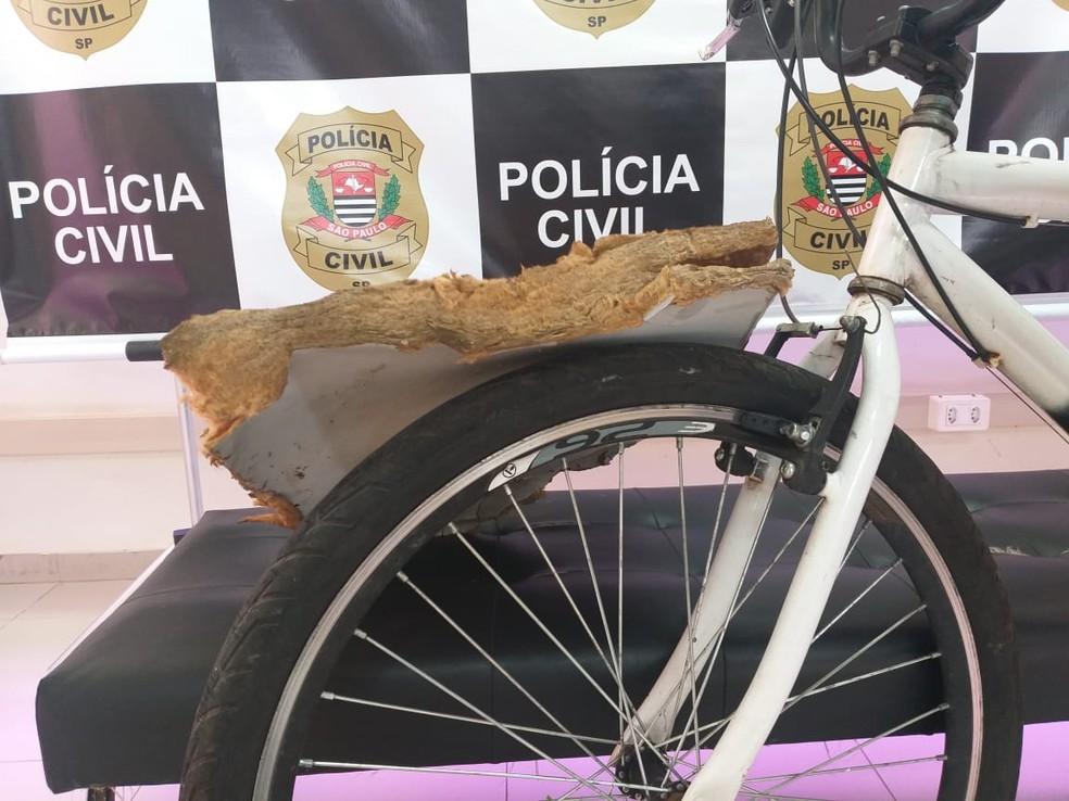 Bicicleta e objetos utilizados pelo suspeito foram apreendidos em Lins — Foto: Polícia Civil/Divulgação