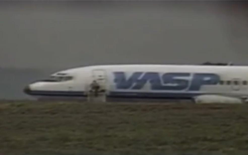 Voo 375 da Vasp que foi sequestrado em 1988 em tentativa de atentado ao Palácio do Planalto, em Brasília — Foto: Reprodução/TV Anhanguera