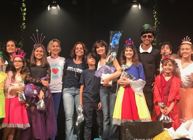 Vanessa Giácomo apoia campanha do agasalho (Foto: Patrícia Limeira/Divulgação)