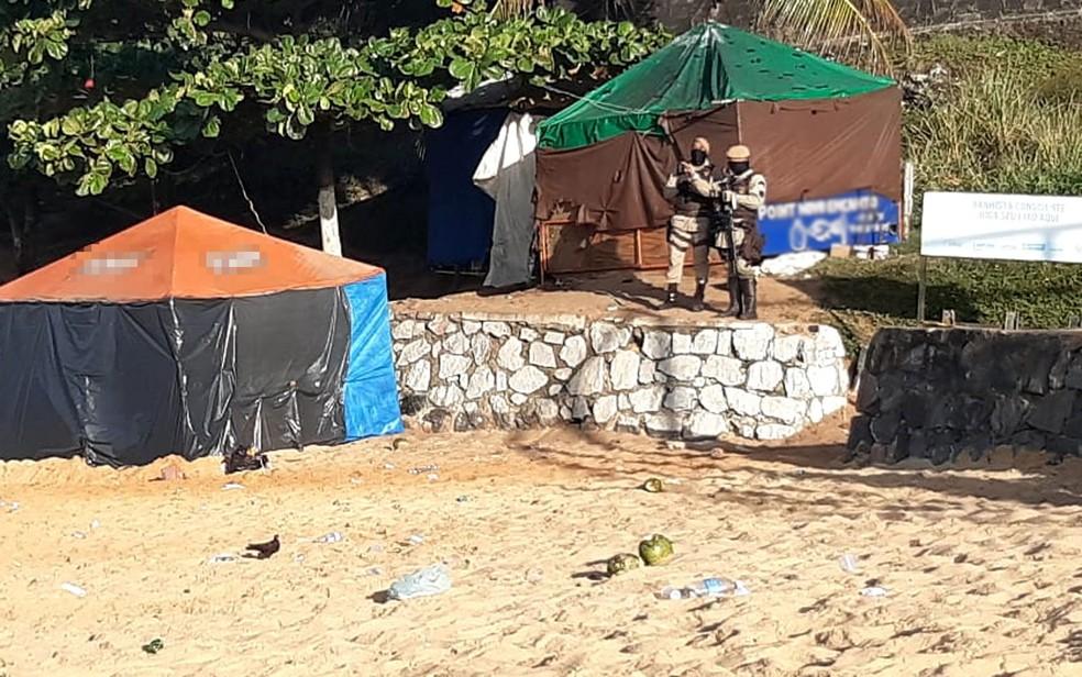 Praia da Boa Viagem na manhã desta terça-feira, após o corpo de Rauan ser encontrado — Foto: Adriana Oliveira/TV Bahia