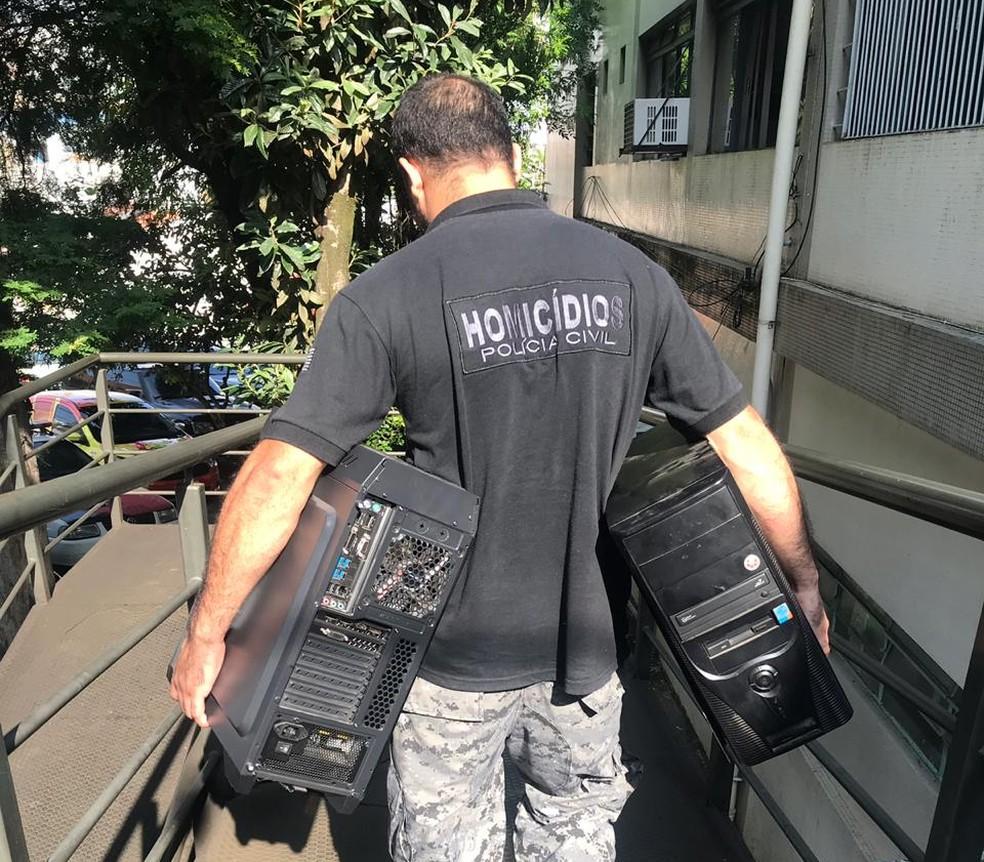 Operação contra a pedofilia e pornografia infantil apreendeu computadores dos investigados — Foto: Rauston Naves/Rádio Metropolitana
