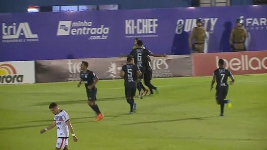 """Zé Teodoro critica 45 minutos perdidos em derrota do JEC: """"Irreconhecíveis"""""""