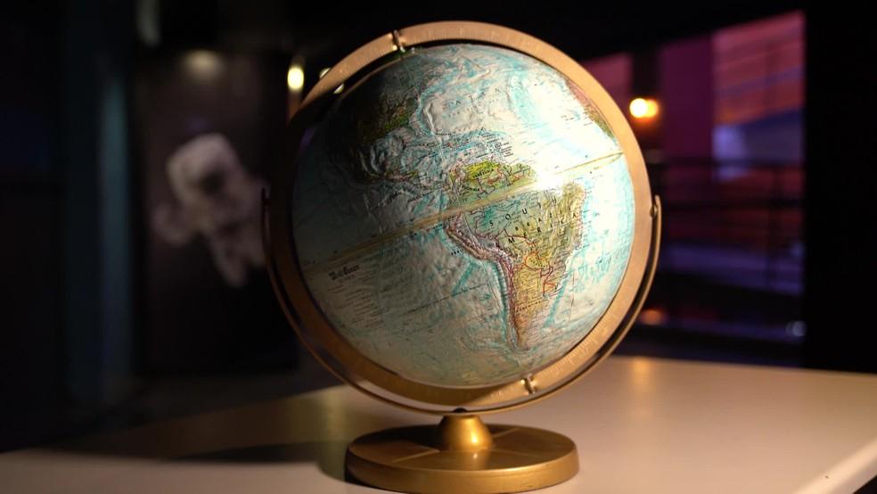 Globo terrestre no Planetário, em imagem de aqruivo — Foto: Marcos Serra Lima/G1