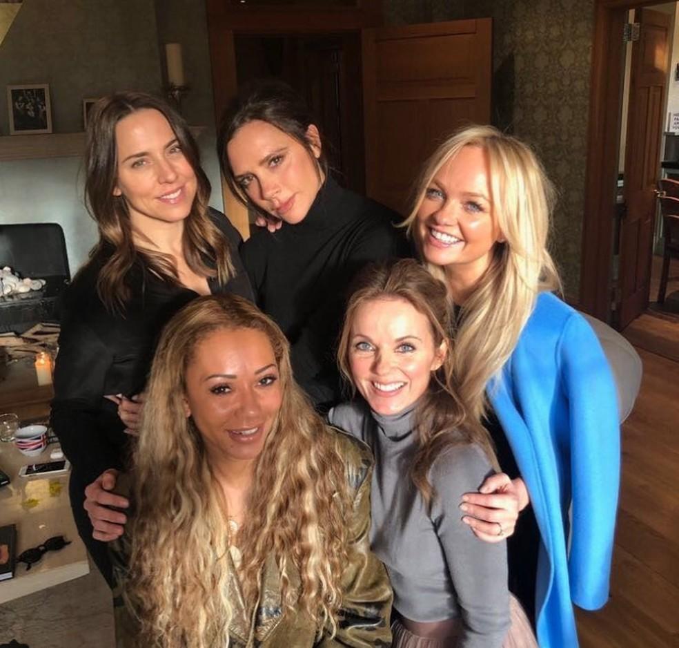 Mel C., Victoria Beckham, Emma Bunton, Mel B. e Geri Horner, ex-integrantes do grupo Spice Girls, se reúnem seis anos após última apresentação (Foto: Reprodução/Instagram/Victoria Beckham)