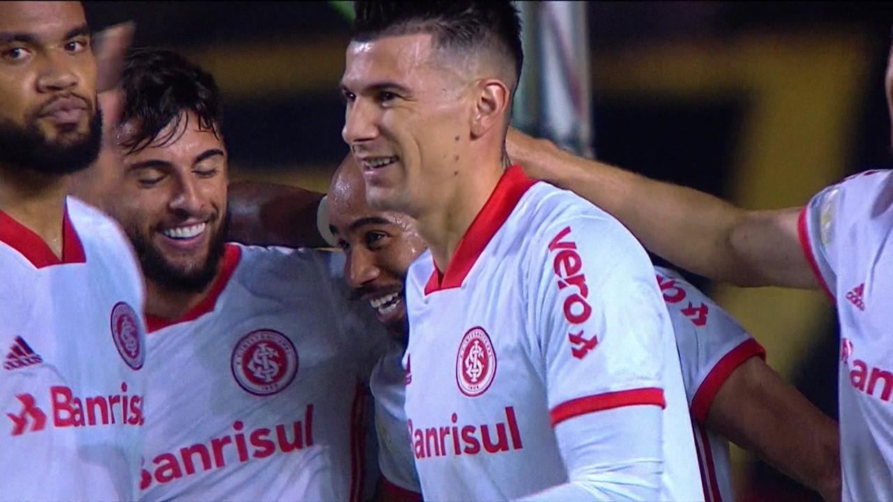 Gol do Internacional! Edenilson cobra escanteio, Thiago Galhardo desvia e Patrick marca mais um, aos 29 do 2º tempo