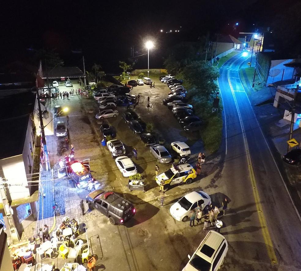 Operação foi Rua do Beco, na região do Santo Canto, em Guaratuba (Foto: Polícia Civil/Divulgação)