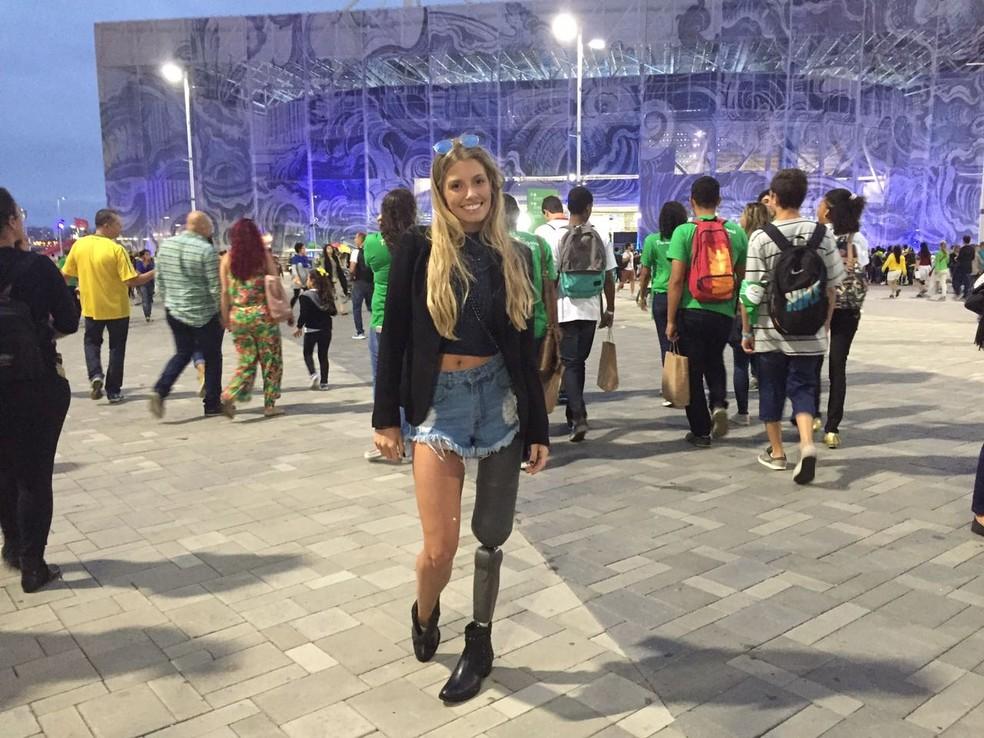 Modelo Paola Antonini quer conhecer Gabriel Lucas, que teve a perna amputada na quarta-feira (24).  — Foto: Matheus Rodrigues/ G1