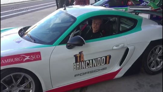 Otaviano Costa leva idosos de 93 e 78 anos para correr a mais de 200 km/h em autódromo