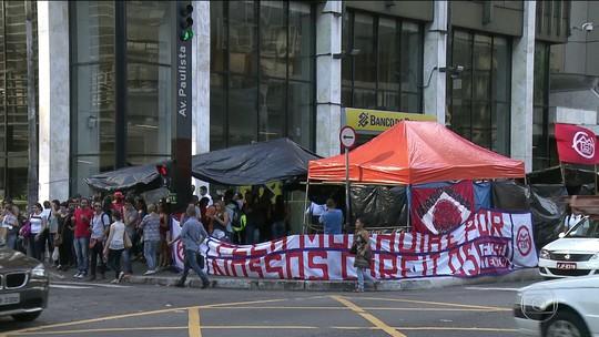 MTST segue acampado na Avenida Paulista em protesto por moradia